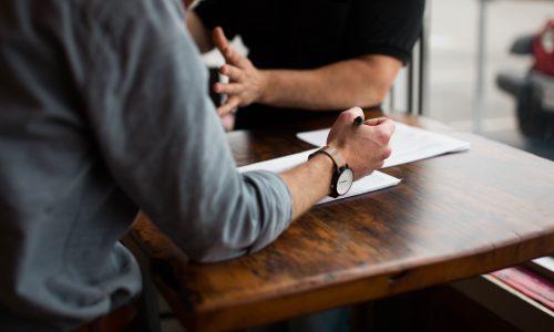 belirli süreli iş sözleşmesi nedir, zincirleme belirli süreli iş sözleşmesi, kıdem tazminatı, işe iade davası, istifa, bakiye süre ücreti, adana iş avukatı.