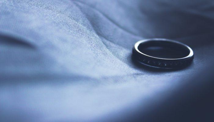 Terk nedeniyle boşanma davası, terk ihtarı, terk nedeniyle boşanma davasında süre, terk boşanma ile ilgili yargıtay kararları, adana boşanma avukatı