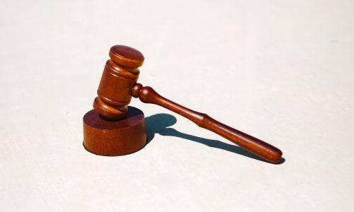 covid-19 salgını sebebiyle kiranın uyarlanması davası, covid-19 salgınının kira sözleşmelerine etkisi, kira bedelinin indirilmesi talebi, adana avukat