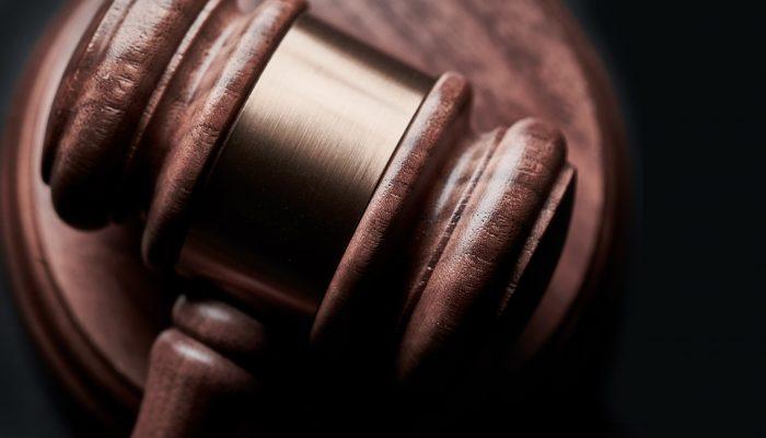 sınava başkasını sokmak suçu, sınava başkasını sokmak yargıtay kararları, emsal karar, beraat, sınava kendisi yerine başkasını sokmak, adana ceza avukatı
